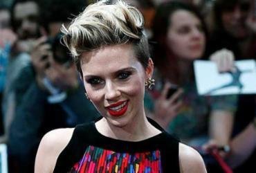 'Monogamia não é natural', diz Scarlett Johansson após separação