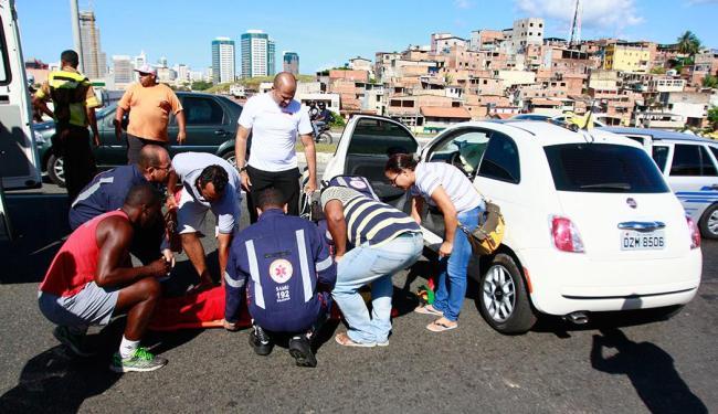 Uma das motoristas foi socorrida pelo Samu - Foto: Edilson Lima | Ag. A TARDE