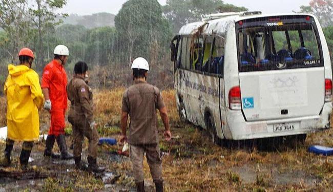 O acidente ocorreu na manhã desta sexta-feira, deixando dois mortos e 15 feridos - Foto: Reprodução | Giro Ipiaú