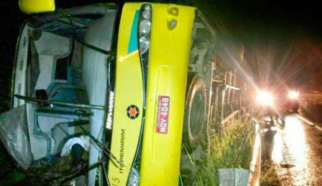 O ônibus transportava 42 pessoas durante o acidente - Foto: Reprodução: Gandu Notícias