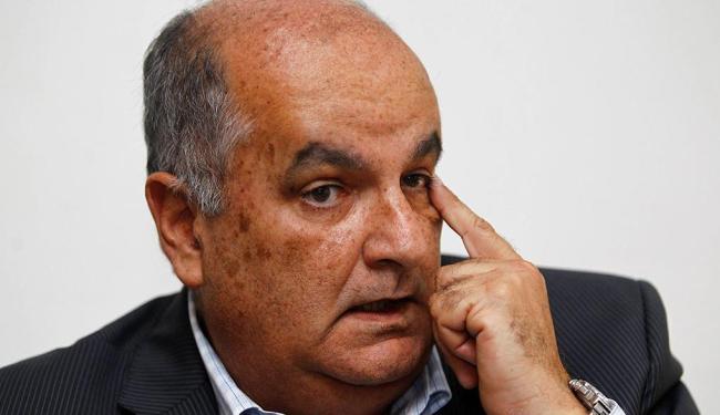 Dirigente tricolor acusou Portela de favorecimento ao Vitória - Foto: Eduardo Martins | Ag. A TARDE | 21.11.2013