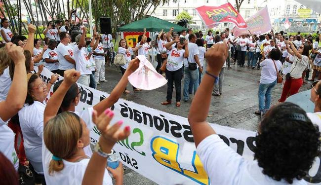 Professores querem aumento salarial de 8,75%, além reajuste de 6,41% em uma só parcela - Foto: Joá Souza | Ag. A TARDE