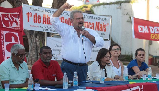 Oradores criticam pedidos de intervenção militar presentes nos atos antigoverno - Foto: Lúcio Távora   Ag. A TARDE