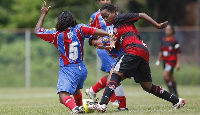 Investimento mínimo de clubes no futebol feminino é requisito polêmico - Foto: Eduardo Martins | Ag. A TARDE