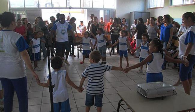 Brincadeira na sala de aula: cantigas de roda são uma das influências indígenas - Foto: Thiago Fernandes l Divulgação