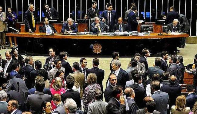 O texto foi aprovado por 324 votos a favor, 137 contra e duas abstenções - Foto: Gustavo Lima/Câmara dos Deputados