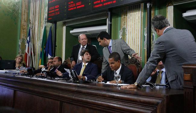 Além do aumento na remuneração dos assessores, cada gabinete recebe R$ 53 mil por mês - Foto: Fernando Amorim | Ag. A TARDE