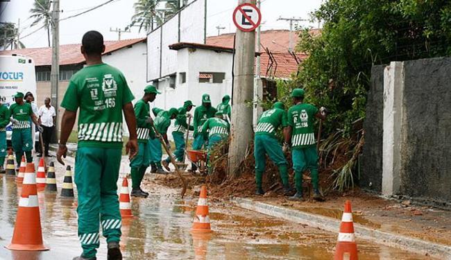 Forte chuva causou transtornos no bairro de Amaralina - Foto: Marco Aurélio Martins   Ag. A TARDE
