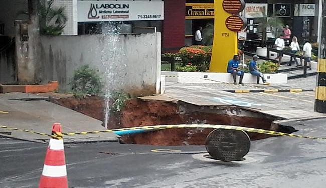 Os técnicos de manutenção estão trabalhando no local - Foto: Edilson Lima | Ag. A TARDE