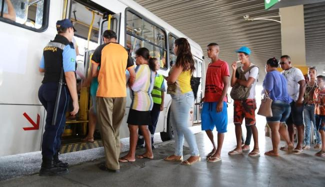 Hoje foi o primeiro dia do novo sistema de transporte de Salvador. - Foto: Joá Souza/ Ag. A TARDE