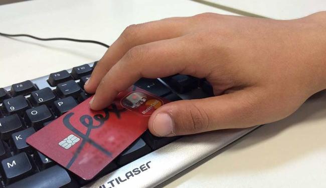 País saiu do 7º para o 21º lugar numa lista dos países com maior atratividade no comércio eletrônico - Foto: Ag. A TARDE