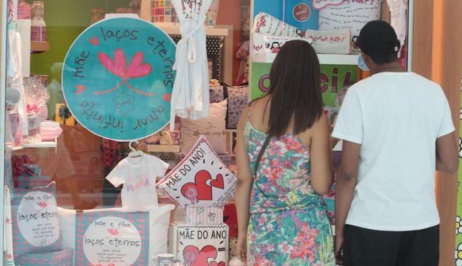 Expectativa dos lojistas é a de que comércio fique mais aquecido no início de maio - Foto: Lúcio Távora | Ag. A TARDE
