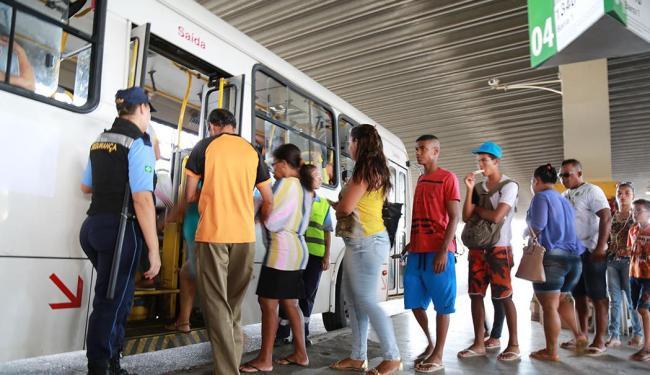 Estação Pirajá funciona parcialmente devido à obra do metrô - Foto: Joá Souza   Ag. A TARDE