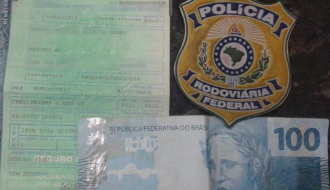 Condutor ofereceu R$ 100 na tentativa de subornar os policias - Foto: Divulgação | Polícia Rodoviária Federal