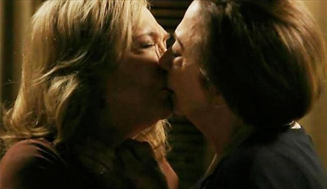 Público não quer ver beijo entre as personagens de Fernanda e Nathalia - Foto: Reprodução | TV Globo