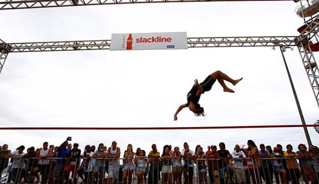 Giovanna anima público com acrobacia aérea - Foto: Fernando Vivas | Ag. A TARDE