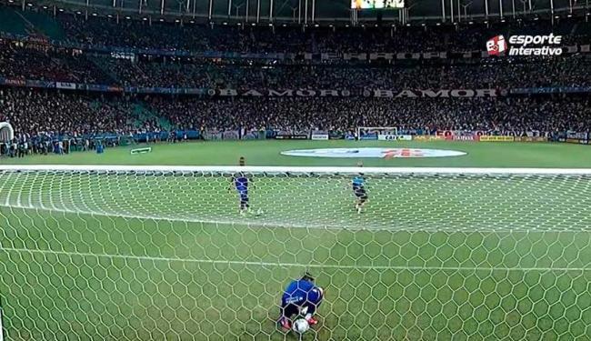 Jean levou frango no aquecimento antes da partida - Foto: Reprodução | Esporte Interativo