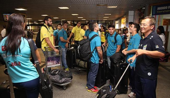 Judocas tomam conta do saguão do aeroporto - Foto: Marcelo Reis l Divulgação