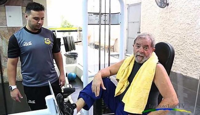Ex-presidente aparece em vários aparelhos da academia - Foto: Reprodução | Instituto Lula