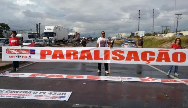 Manifestantes bloquearam dois pontos da rodovia - Foto: Divulgação
