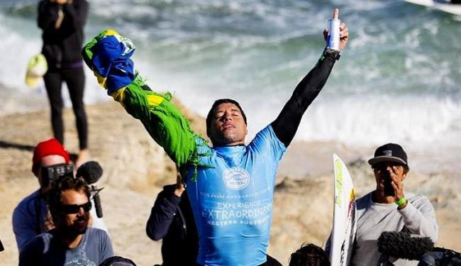 Mineirinho lidera o ranking mundial de surfe com 24.500 pontos - Foto: Kirstin Scholtz l WSL