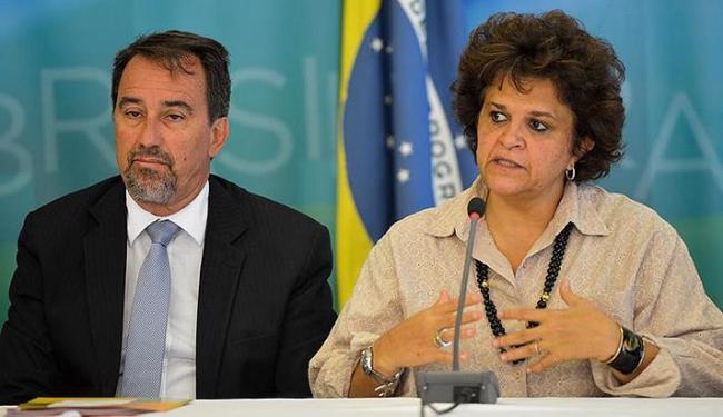 Ministros da Integração Nacional, Gilberto Occhi, e Izabella Teixeira. do Meio Ambiente, em coletiva - Foto: Wilson Dias l Agência Brasil