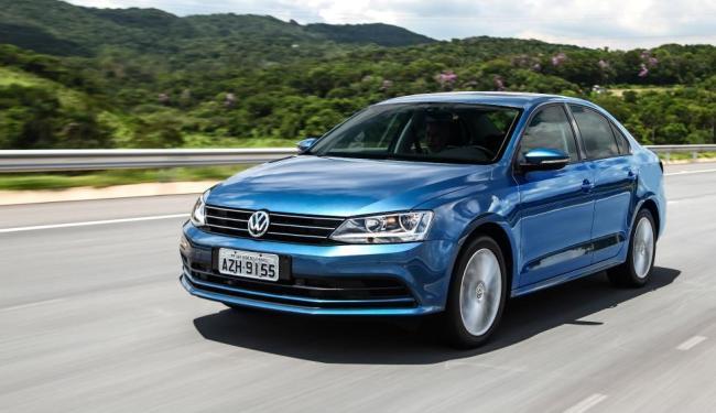 A Volkswagen oferece serviço gratuito na rede para ajustar o eixo traseiro de modelos Jetta - Foto: Divulgação