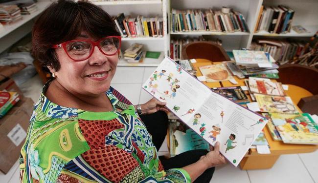 Nairzinha criou personagens que brincam e cantam sempre em grupo - Foto: Mila Cordeiro | Ag. A TARDE