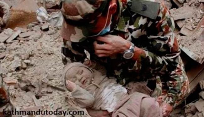 Menino de 4 meses foi achado após choro - Foto: Reprodução   Kathmandu Today