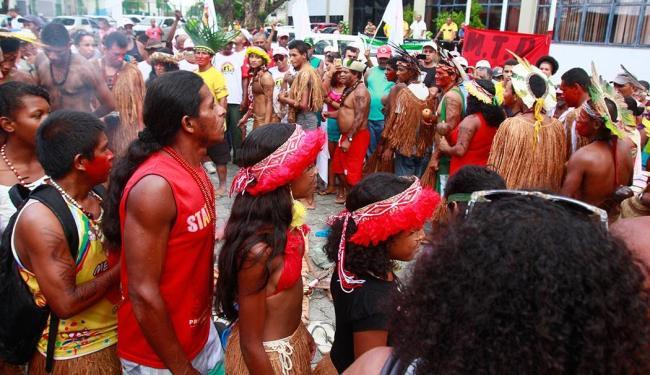 Os integrantes do movimento ocupam a sede do Incra no CAB desde a manhã desta segunda-feira - Foto: Edilson Lima   Ag. A TARDE