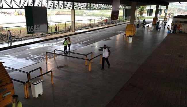 Estação Pirajá ficou fechada durante paralisação dos rodoviários em Salvador - Foto: Luciano da Matta | Ag. A TARDE