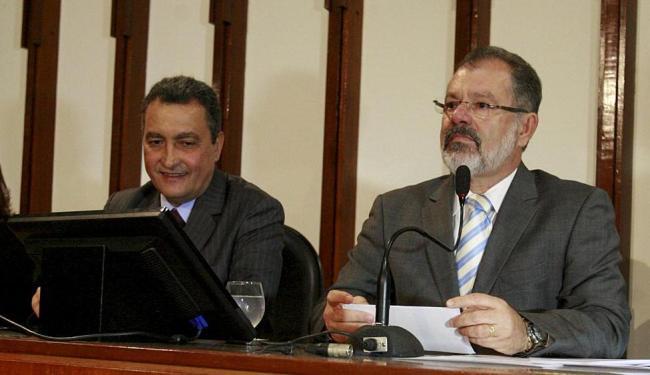 Rui estreita relações com Poder Legislativo, comandado por Nilo, para aprovação de matérias - Foto: Luciano da Matta | Ag. A TARDE | 03.02.2015