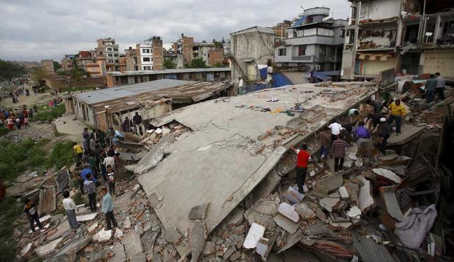 Terremoto destruiu casas e deixou 714 mortos - Foto: Agência Reuters