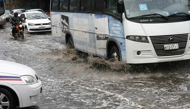 Chuvas causam alagamentos na capital - Foto: Fernando Amorim | Ag. A TARDE