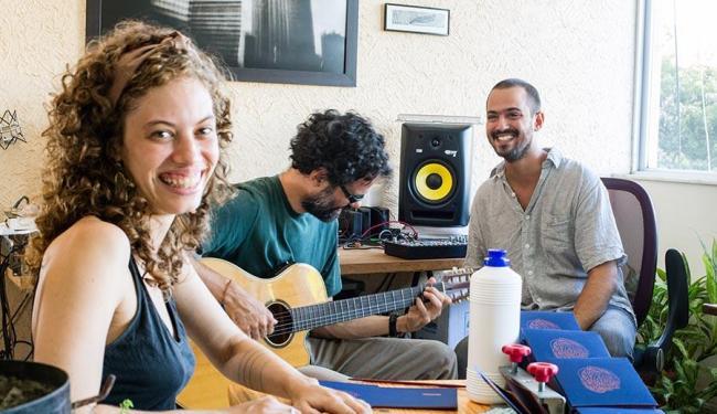 Tropical Selvagem é formado por Lia Cunha, Ronei Jorge (centro) e João Meirelles (à direita) - Foto: João Meirelles   Divulgação