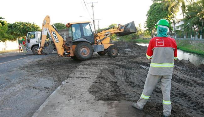 Conder diz que serviço vai melhorar a drenagem no rio Sapato - Foto: Margarida Neide | Ag. A TARDE