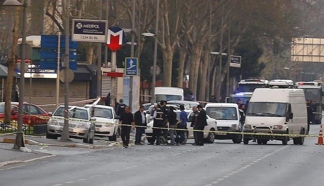 Episódio marca o terceiro incidente violento na maior cidade da Turquia em pouco mais de 24h - Foto: Osman Orsal l Reuters
