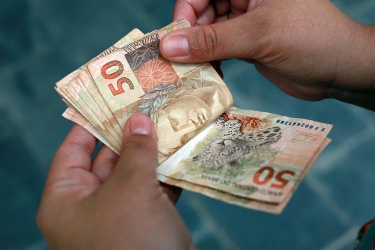 Movimentação a partir de R$ 30 mil em espécie terá que ser informada à Receita - Foto: Joá Souza | Ag. A TARDE