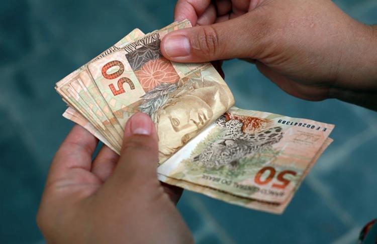 Mudança quer que trabalhador tenha acesso ao dinheiro do FGTS mesmo se pedir demissão - Foto: Joá Souza | Ag. A TARDE