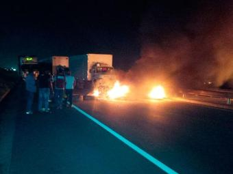 Protesto foi encerrado após quase 5h de bloqueio na pista - Foto: Divulgação | Bahia Norte