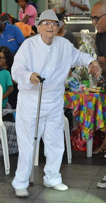 Artistas e familiares comemoraram centenário de Pinduca na praça Tereza Batista, localizada no Pelô - Foto: Dôra Almeida l Divulgação