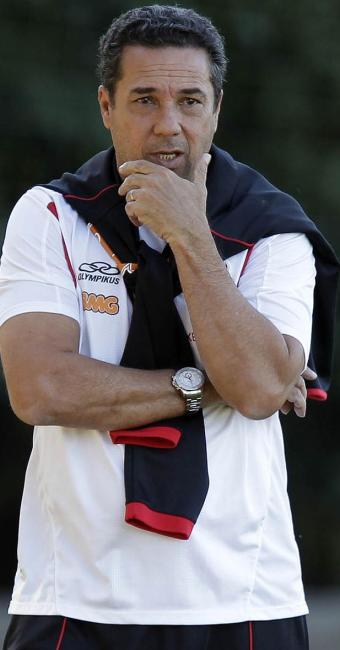 Luxa ganha a quarta oportunidade de comandar o Mengão na carreira - Foto: Maurício Val l VIPCOMM