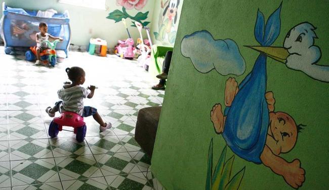 Instituições de acolhimento, como Lar Pérolas de Cristo, abrigam de bebês a jovens com 18 anos - Foto: Marco Aurélio Martins | Ag. A TARDE