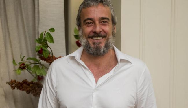 Intérprete de Jurandir, em I Love Paraisópolis, Alexandre afirma que é preciso exercitar o humor - Foto: João Miguel Júnior   Tv Globo