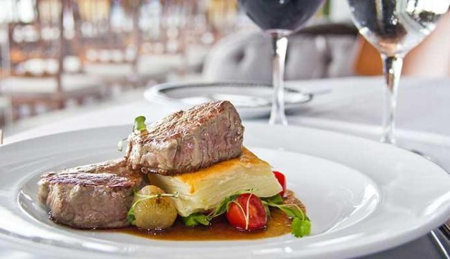 Medalhão de filé mignon é a opção de prato principal oferecida pelo restaurante Amado - Foto: Tati Freitas | Ag. A TARDE