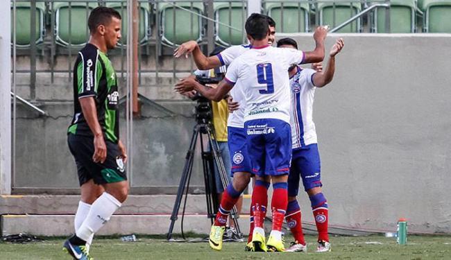 Jogadores do Bahia comemram após abrir o placar no Independência - Foto: Thomás Santos l Futura Press l Estadão Conteúdo