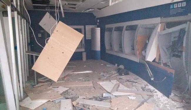 A agência ficou destruída durante a ação criminosa - Foto: Reprodução I Giro Ipiaú