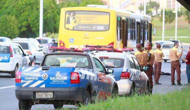 Ocorrência aconteceu na avenida Paralela, sentido Rodoviária - Foto: Edilson Lima | Ag. A TARDE