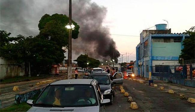 Os motoristas que circulavam na região ficaram impedidos de acessar o terminal de Bom Despacho - Foto: Reprodução   Itaparica Urgente