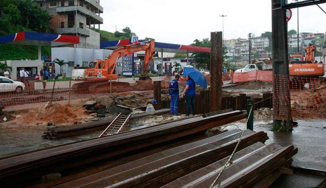 Reparos devem ser concluídos nesta segunda, de acordo com a prefeitura - Foto: Margarida Neide | Ag. A TARDE